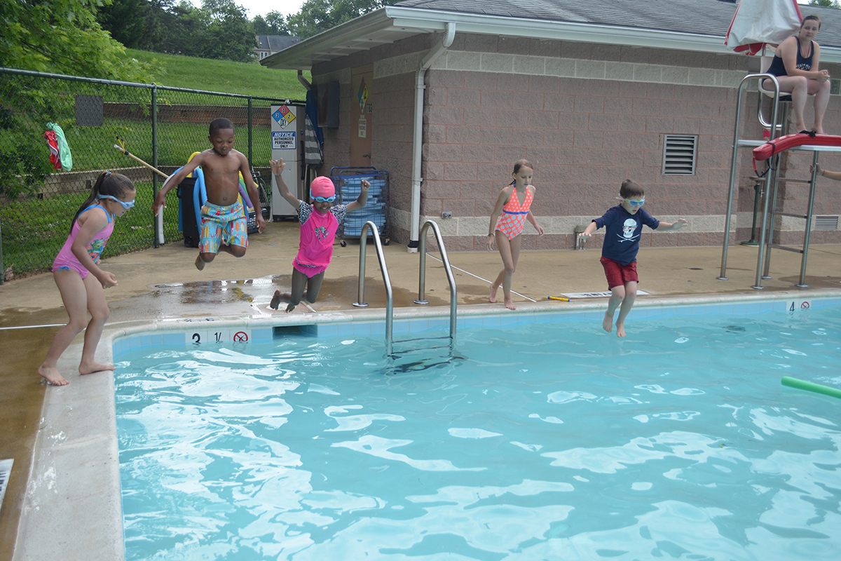 Water weenie 2 swim team scene 4
